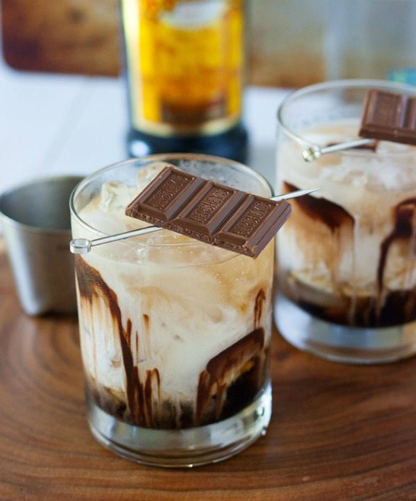 Chocolate White Russian, Easy Cocktail Recipes via Refresh Restyle