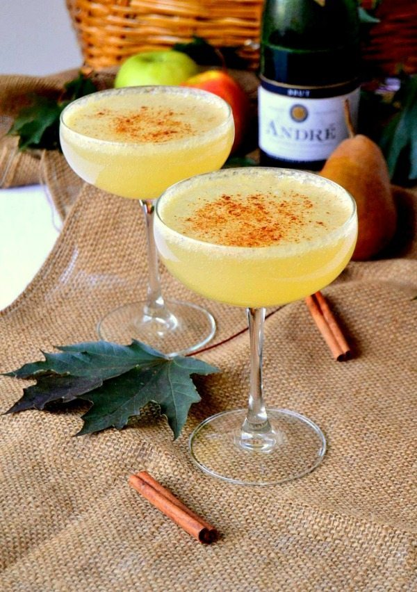Cinnamon Pear Champagne Cocktail, Easy Cocktail Recipes via Refresh Restyle