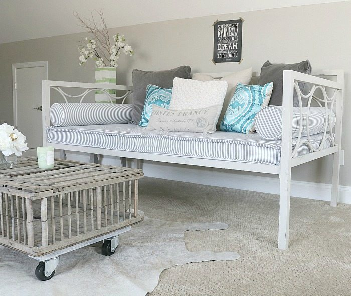 painting a daybed. Black Bedroom Furniture Sets. Home Design Ideas