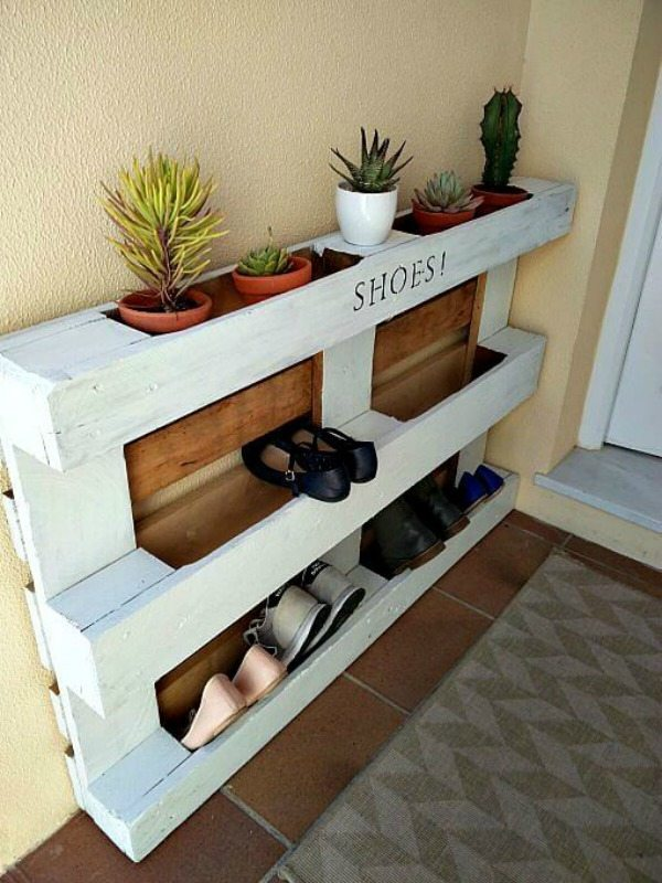 Pallet Shoe Rack, Organization Ideas and Tips via Refresh Restyle