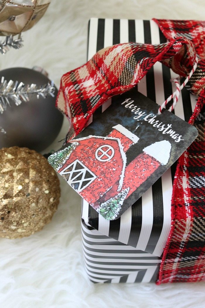 red-barn-gifts-tags-free-christmas-printables