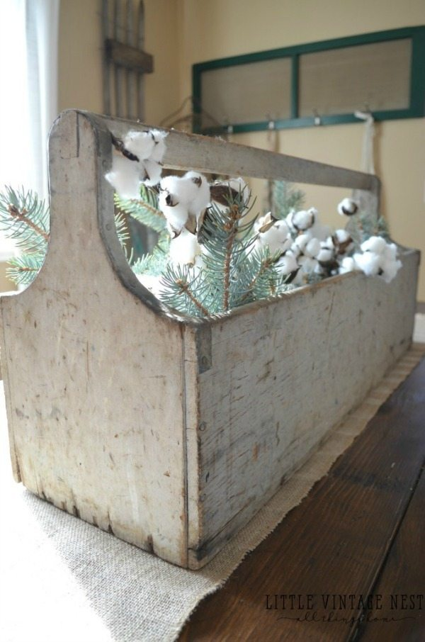 Rustic Vintage Toolbox, Rustic Home Decor Ideas via Refresh Restyle