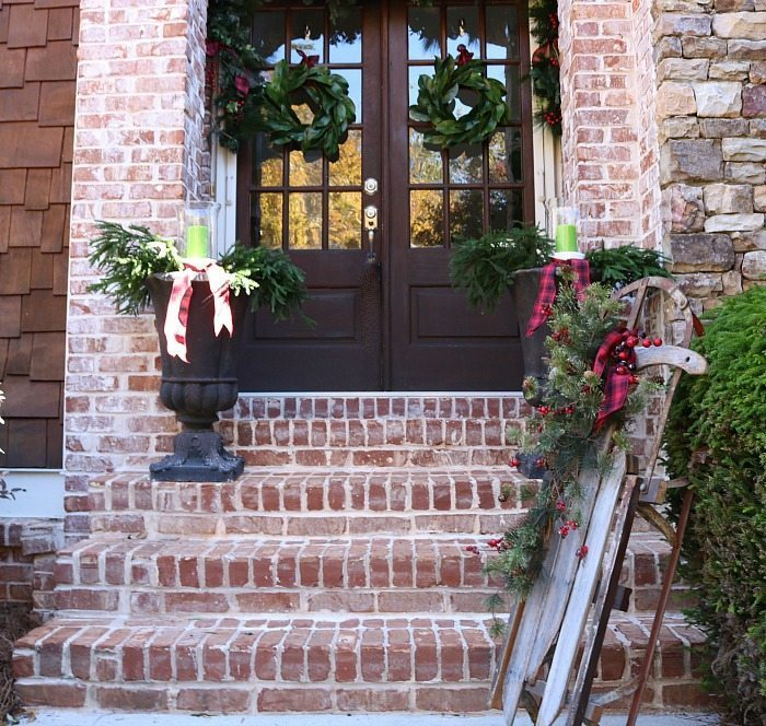 rustic-farmhouse-ideas-for-the-front-entry