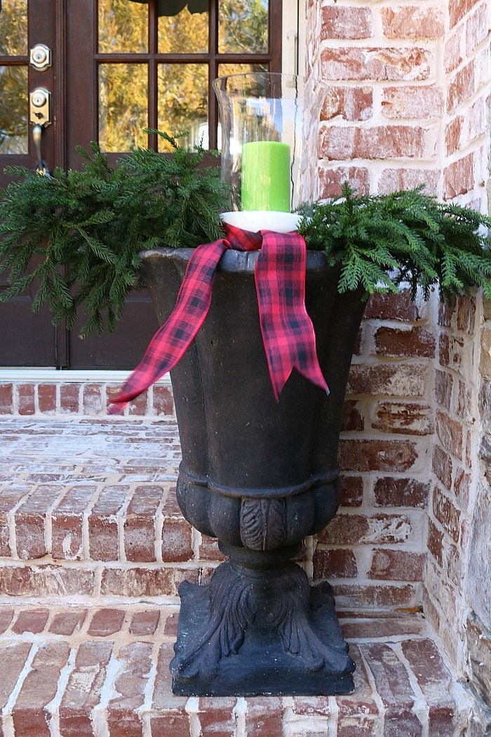 simple-idea-for-filling-the-urns-for-christmas-decorating