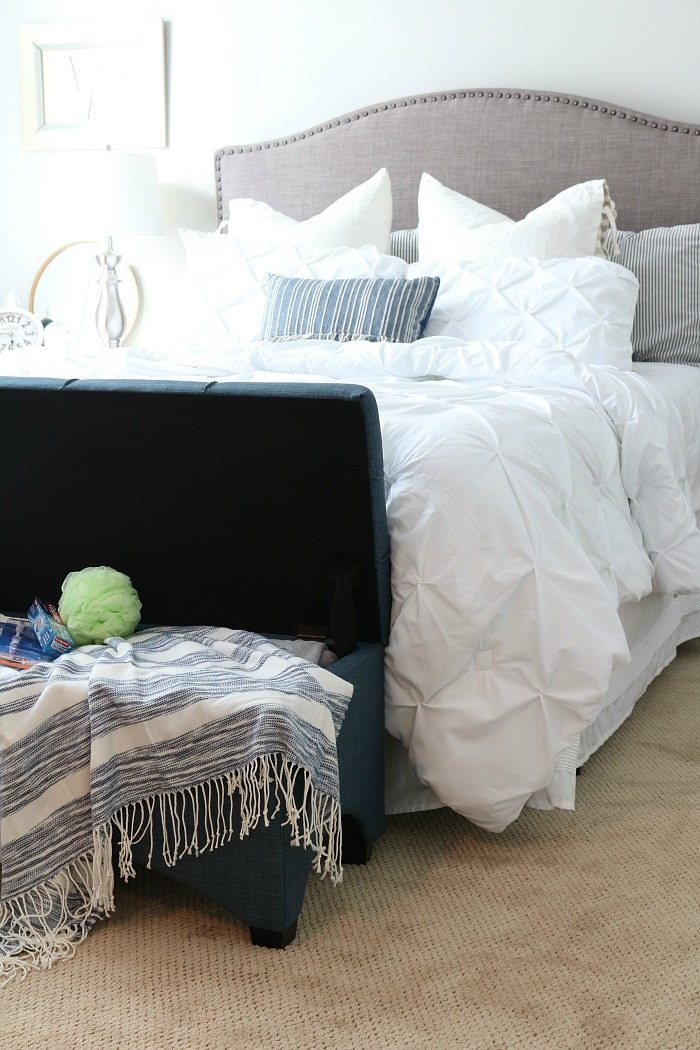 10 essentials for the guest room - make your guest feel right at home