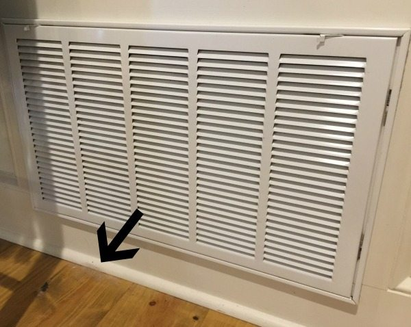 Dust and dog hair can cling to the filter and grill - be sure to clean it well