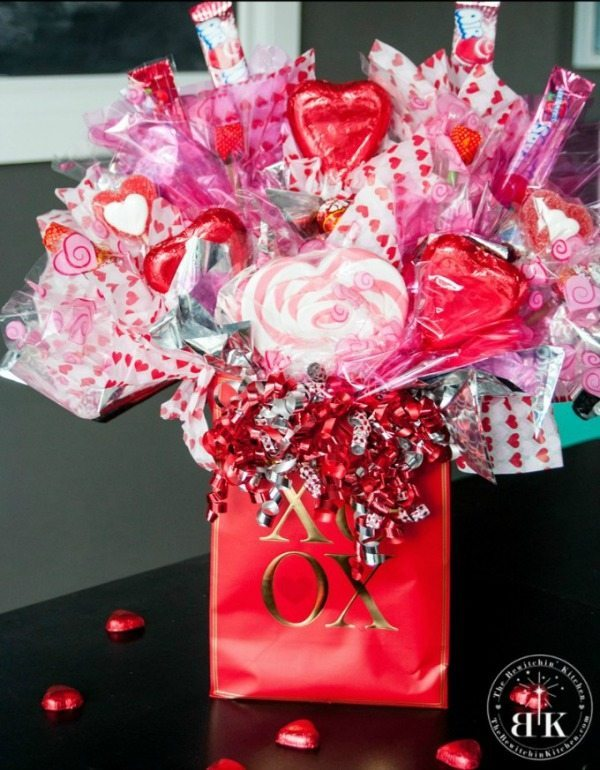 Create a Candy Bouquet via The Bewitchin' Kitchen, Valentines Gifts and Crafts via Refresh Restyle
