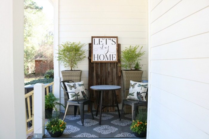 Charming space filled with farmhouse ideas