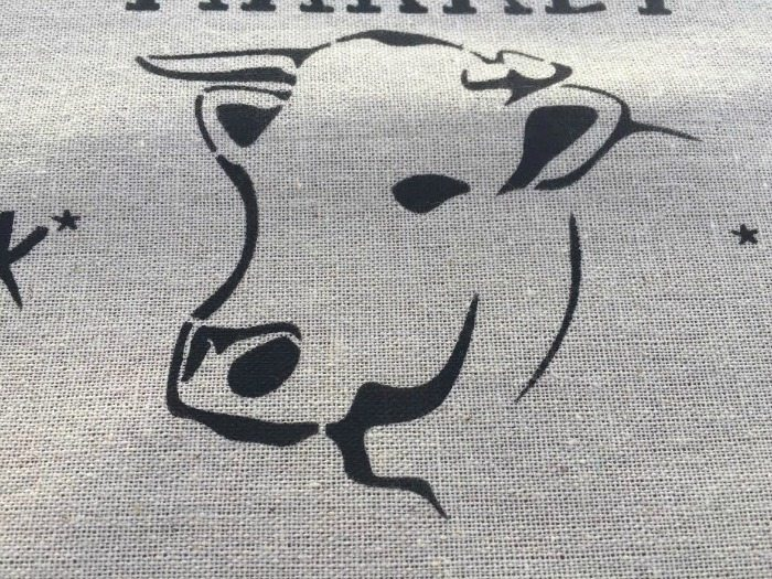 How to create perfect crisp lines when you stencil on fabric