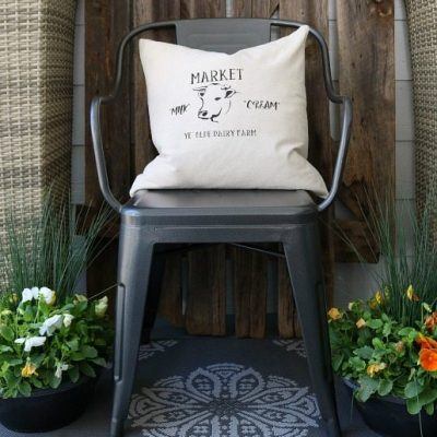 Make this quick and easy farmhouse pillow cover