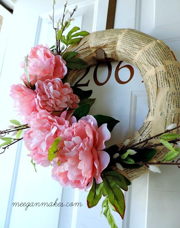 Meegan Makes, Spring Wreaths and Door Decor via Refresh Restyle
