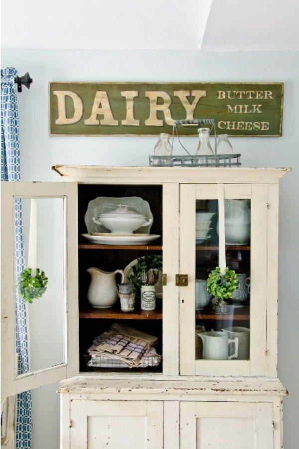 Miss Mustard Seed, DIIY Farmhouse Signs via Refresh Restyle