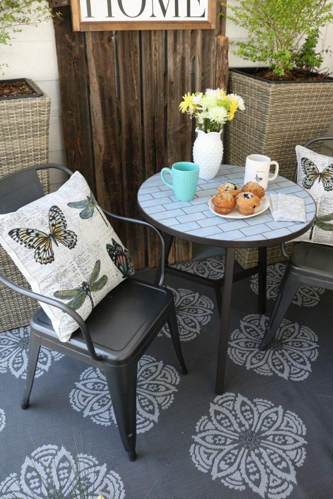 Perfect shade of gray indoor outdoor rug