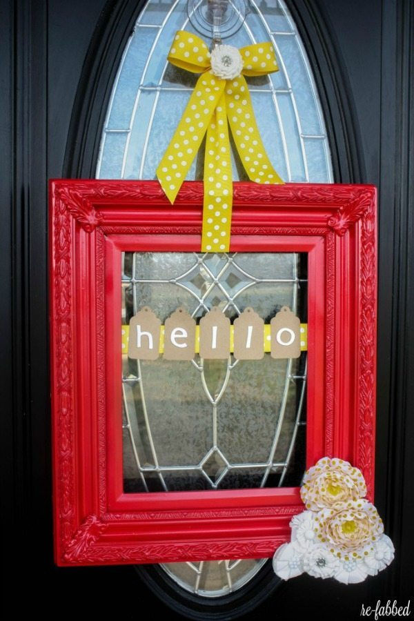 Re-Fabbed Spring Frame, Spring Wreaths and Door Decor via Refresh Restyle