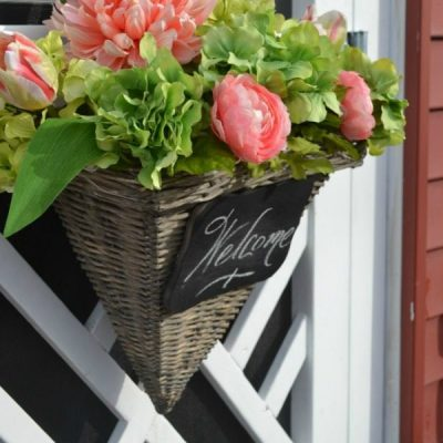 Spring Wreaths and Door Decor
