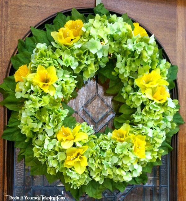 Redo it Yourself Inspirations Hydrangeas and Daffodils, Spring Wreaths and Door Decor via Refresh Restyle