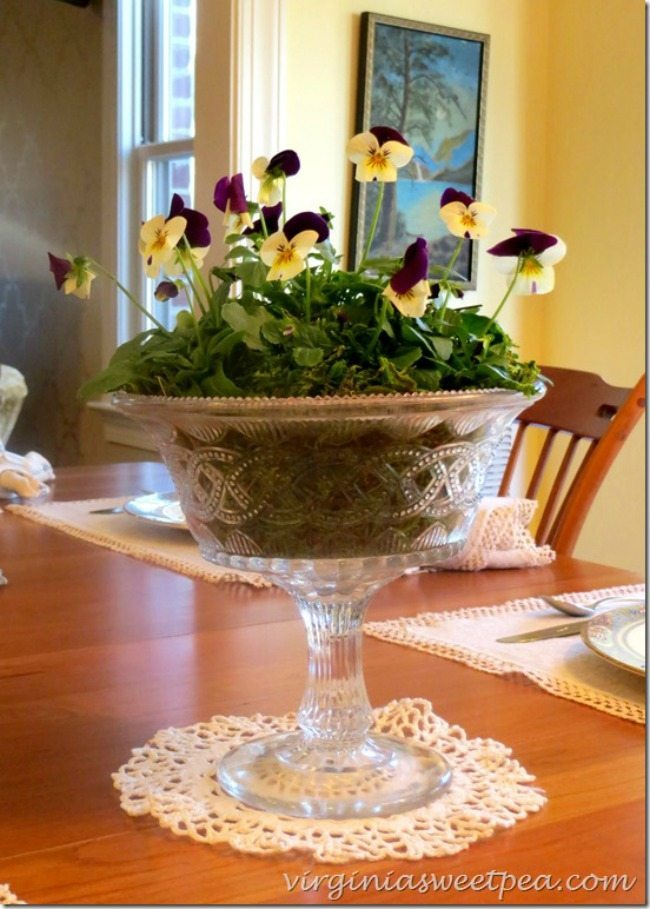 Sweet Pea, Spring Centerpieces via Refresh Restyle