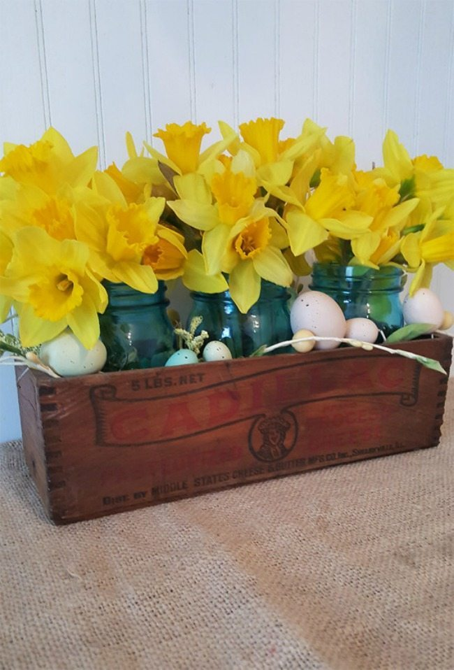 The Honeycomb Home, Spring Centerpieces via Refresh Restyle