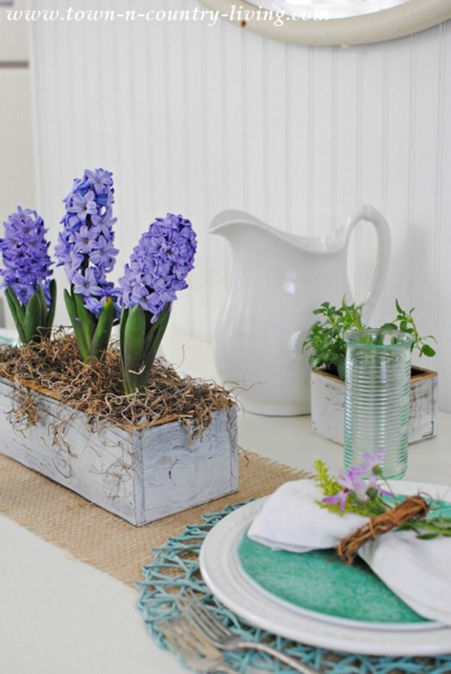 Town and Country Living, Spring Centerpieces via Refresh Restyle