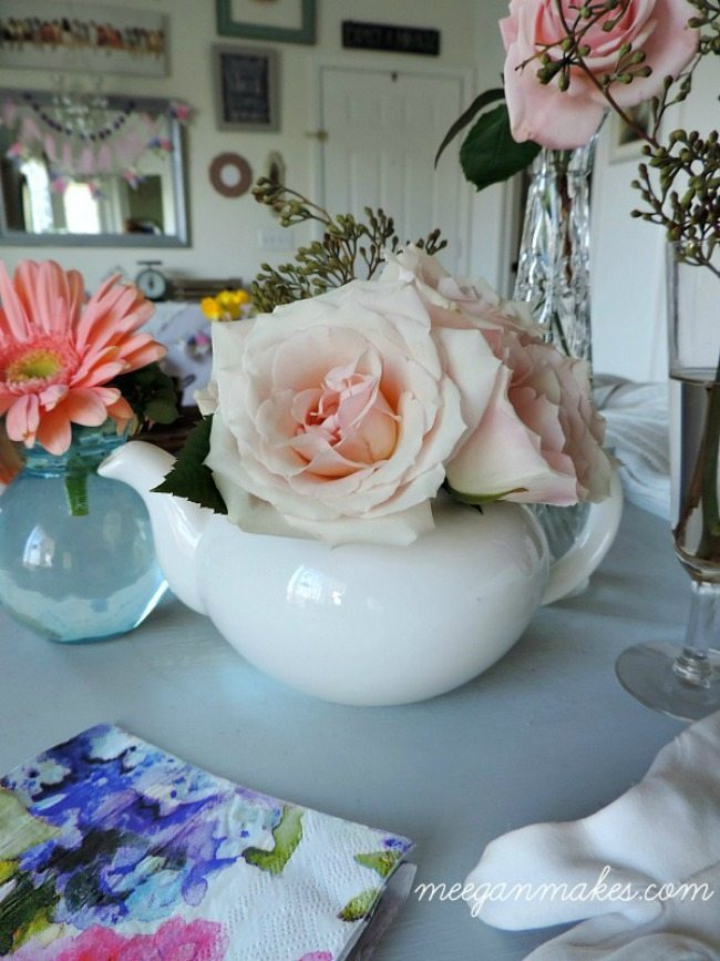 What Meegan Makes, Spring Centerpieces via Refresh Restyle