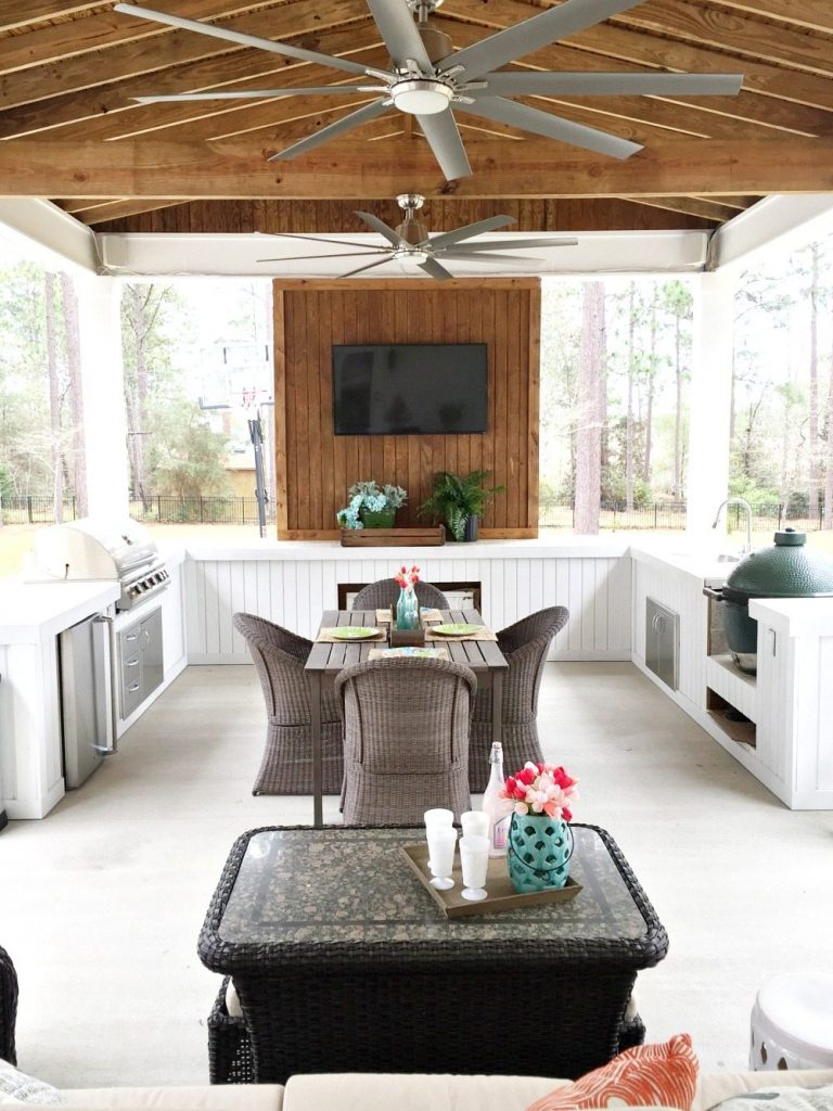 Farmhouse porch spring ready