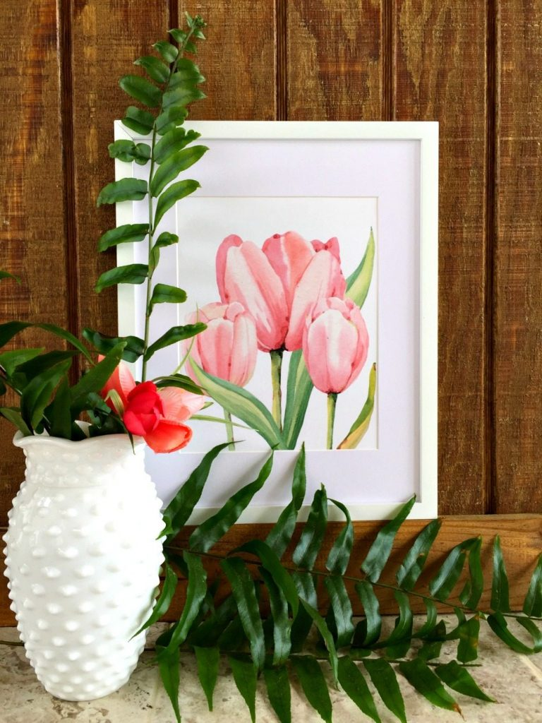 Perfect for your spring decor grab this free tulip printable