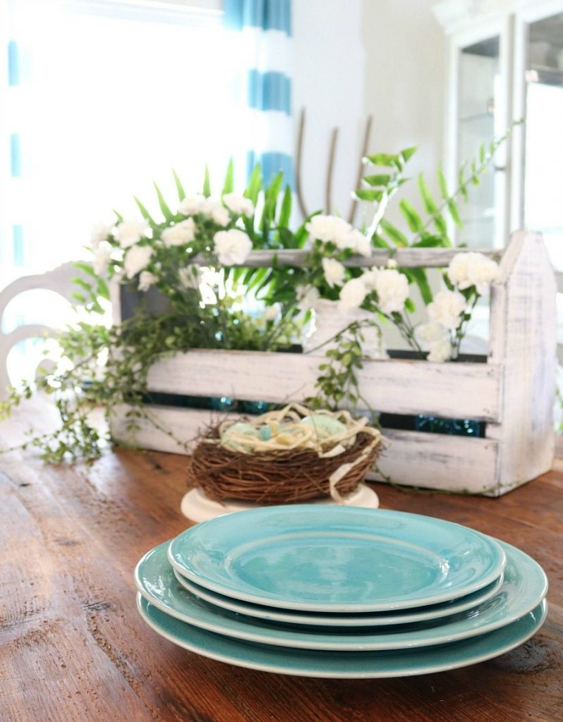 Turquoise dinnerware for the spring table at Refresh Restyle