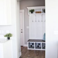 cool-mudroom-bench-area-682x1024