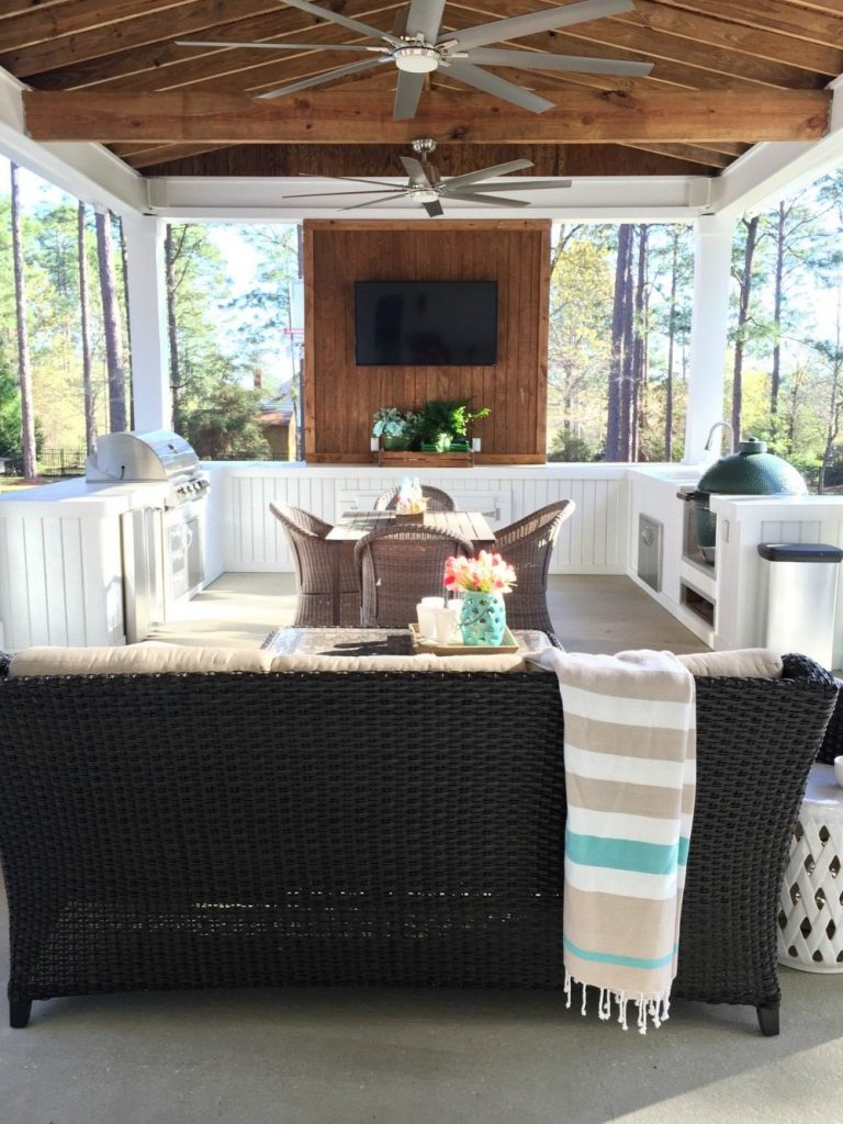 Back porch outdoor kitchen at Refresh Restyle