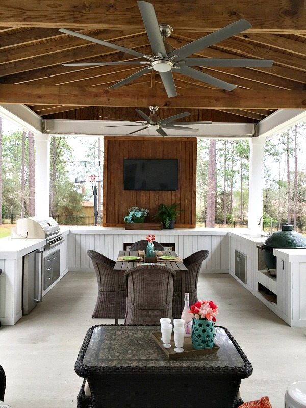 Outdoor Kitchen and Entertaining Space at Refresh Restyle