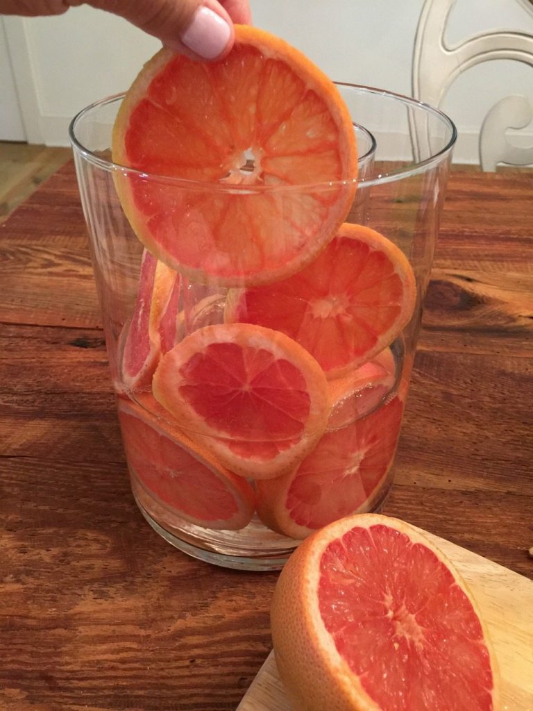 Place grapefruit between layer of glass