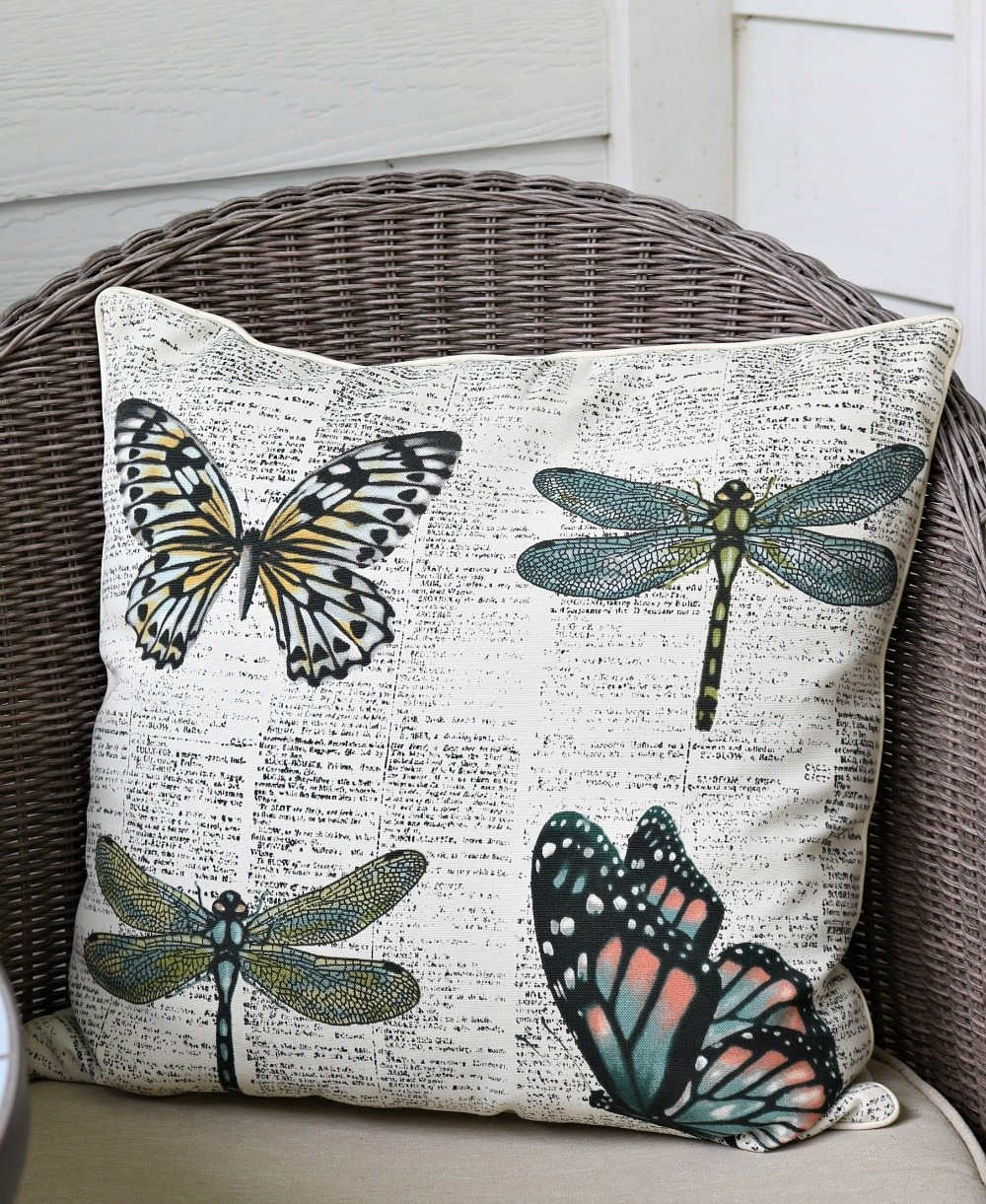 Summer pillows made of outdoor fabric Refresh Restyle