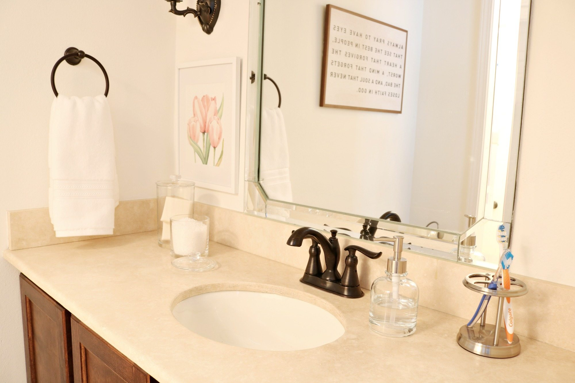 Keep it simple in the guest room