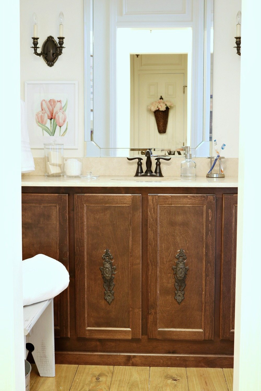 Mini Makeover for the guest bathroom when you're on a budget