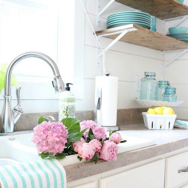 Summer Farmhouse Kitchen