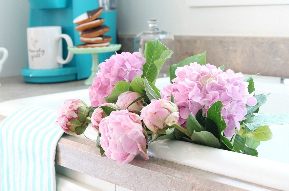Summer blooms for the farmhouse cottage