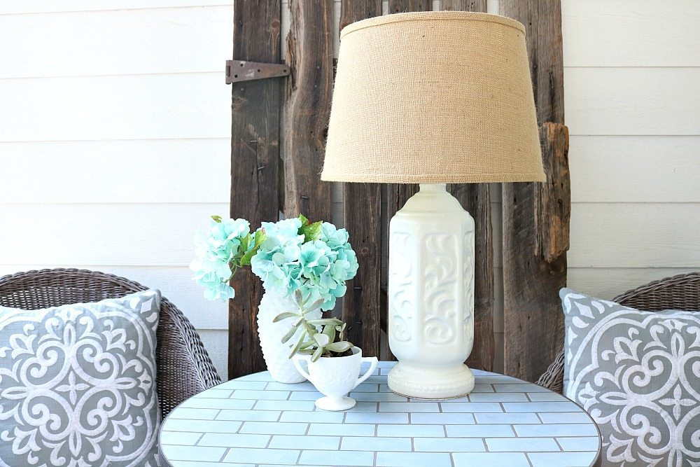 Simple lamp makeover with spray paint