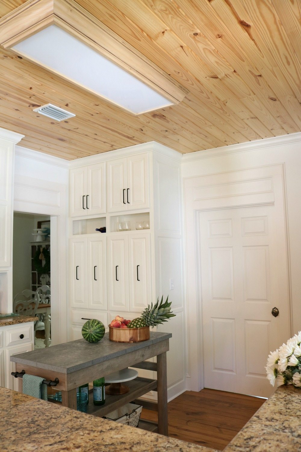 Great ceiling detail in the kitchen at Refresh Restyle