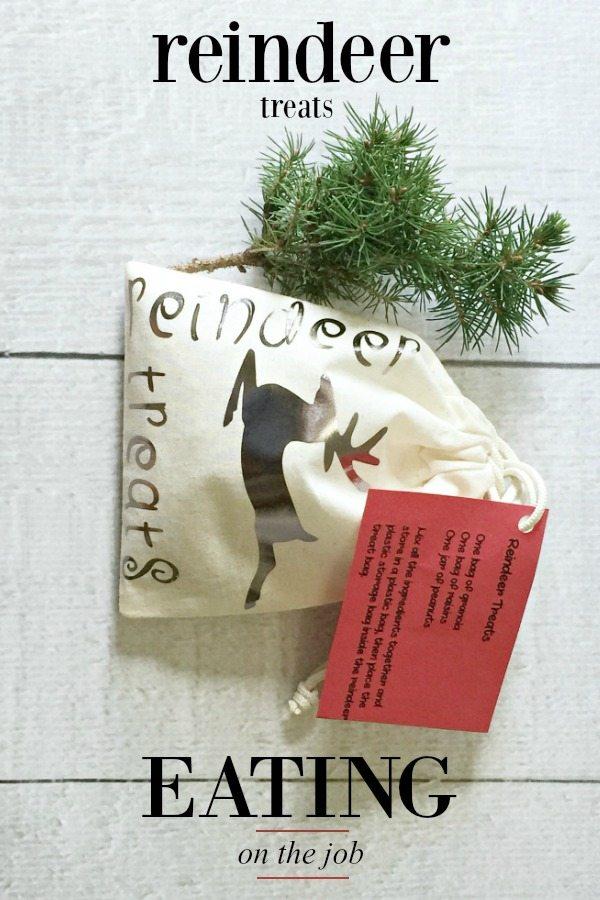 reindeer treats bag plus free printable at Refresh Restyle