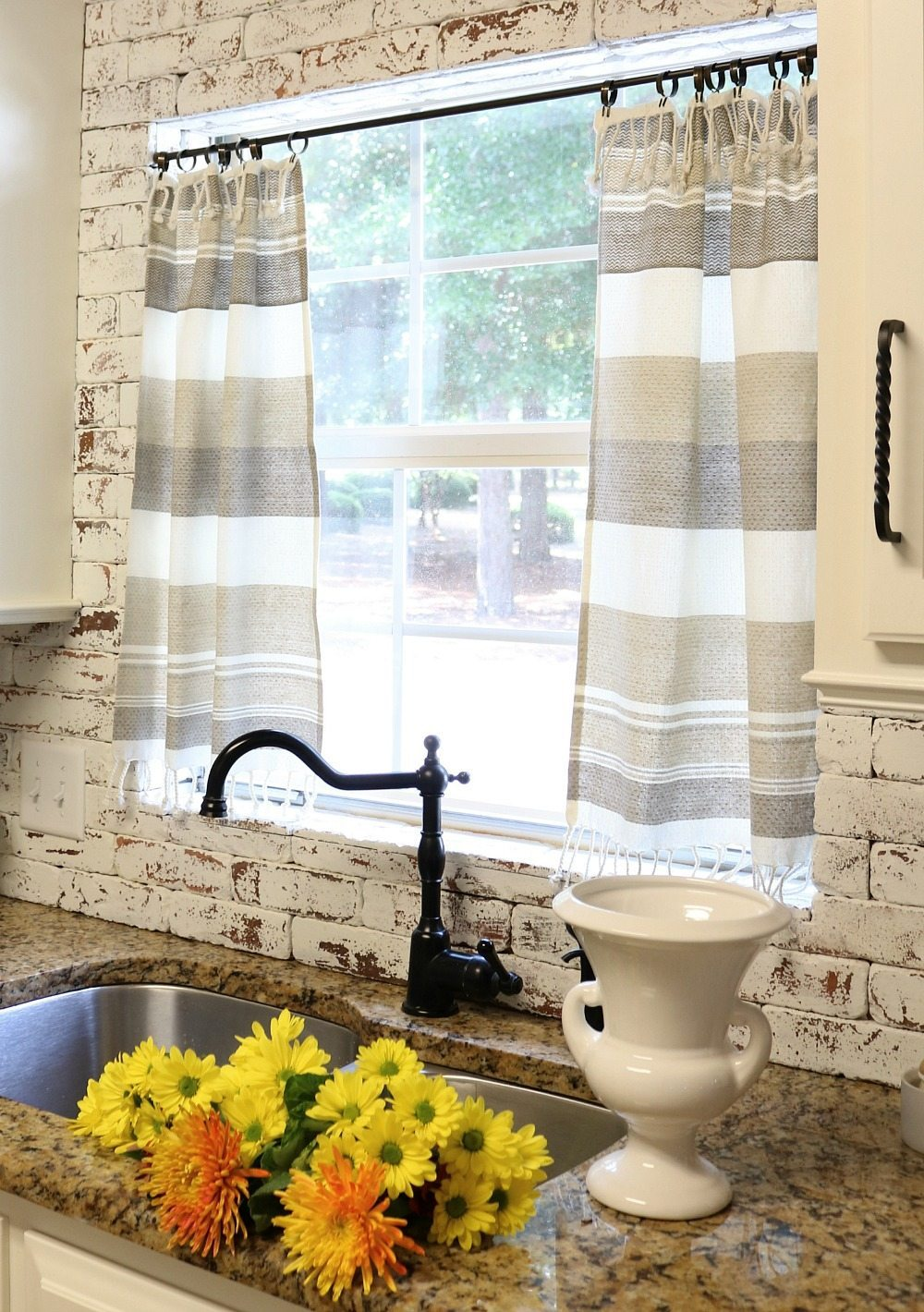 Easy to change up dish towel curtains at Refresh Restyle