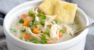 Instant-Pot-Chicken-Pot-Pie-Soup-with-Pie-Crust-Crackers-cookingwithcurls.com_