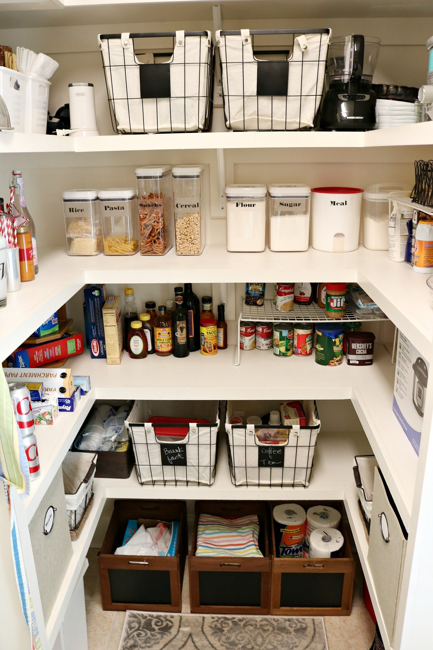 Life is easier with an organized pantry