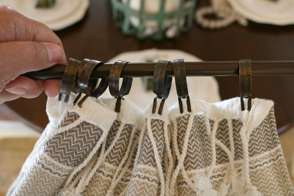 Make these farmhouse window curtains in no time