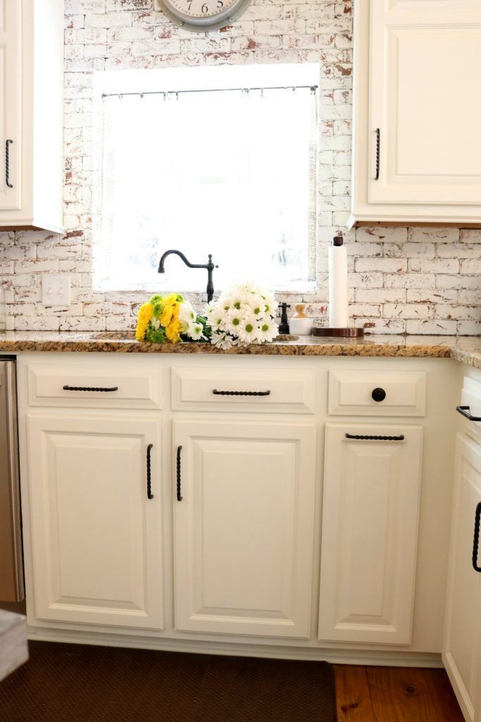 Painted brick makeover for the kitchen