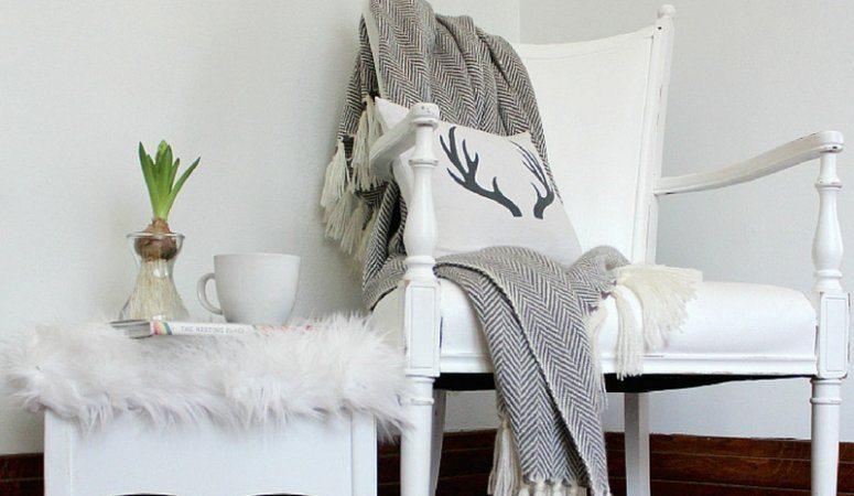 DIY-Painted-velvet-chair