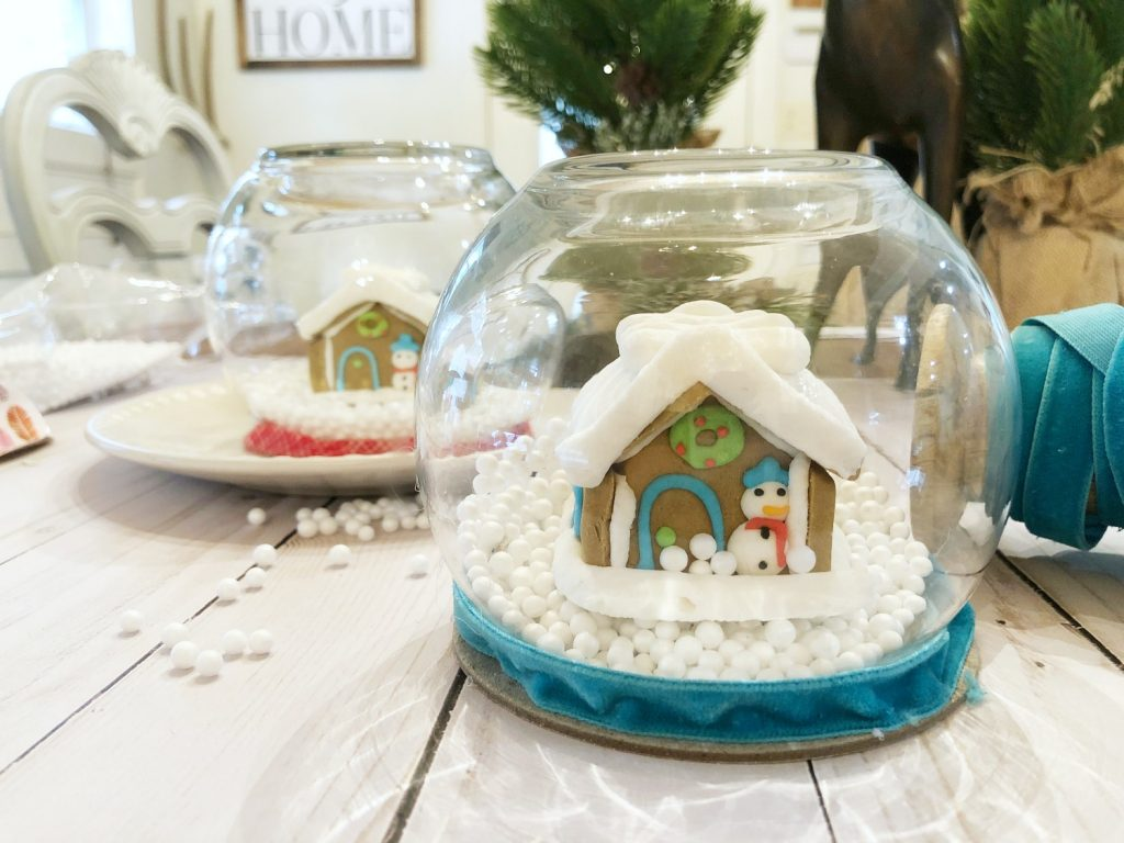 Make these cute snow globes