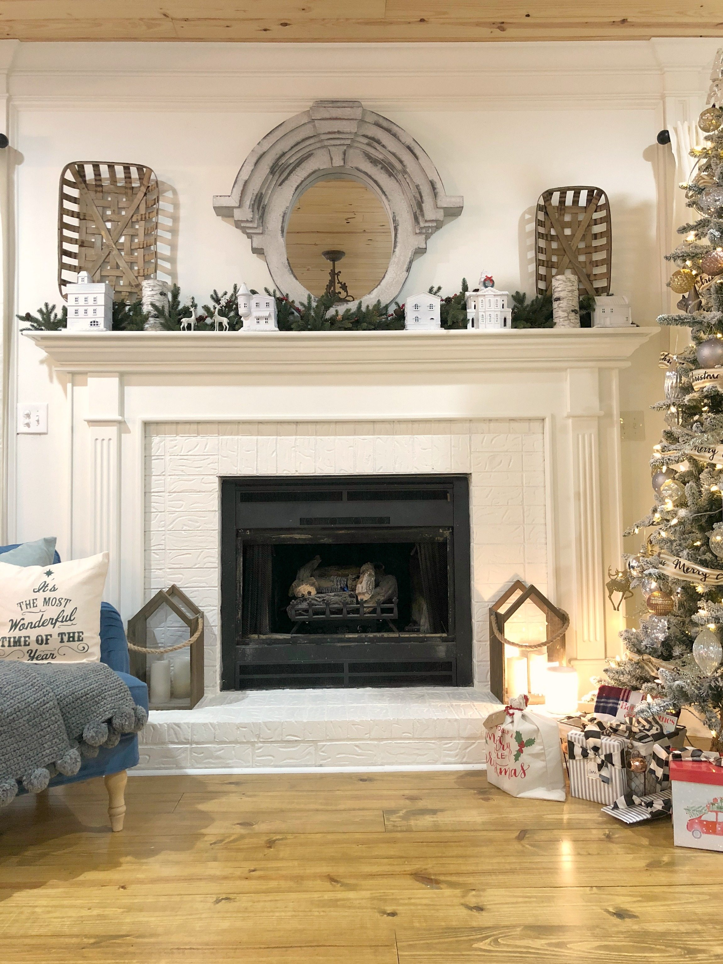 Simple mantel decor for Christmas
