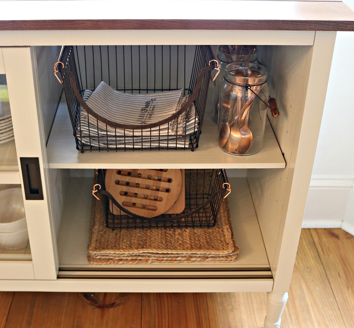 Dining storage ideas with baskets and mason jars