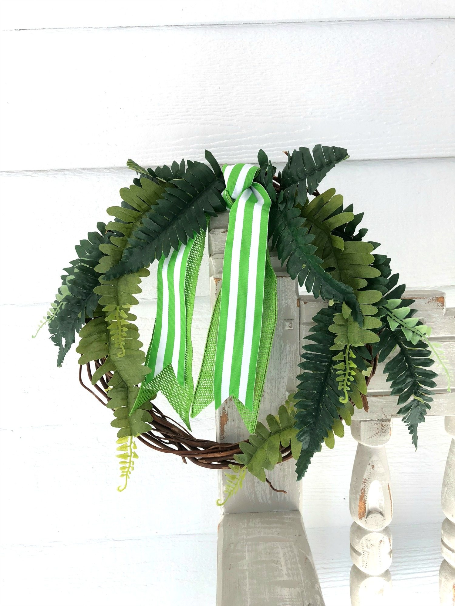 How to make a dollar store fern wreath