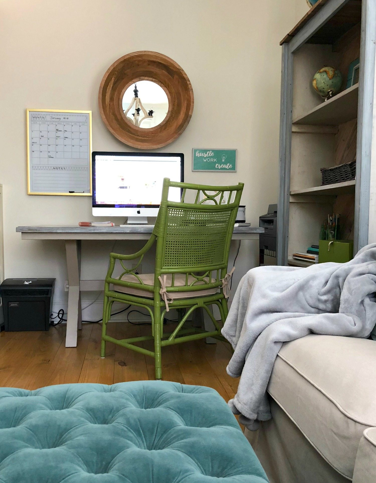 Minimal office makeover